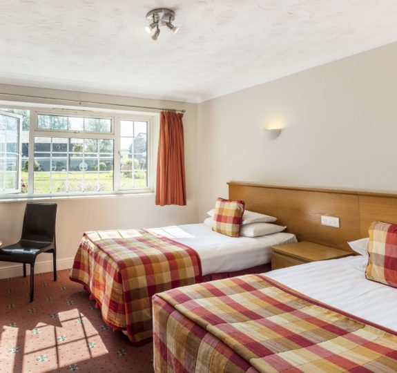 Hotel Room 1 min