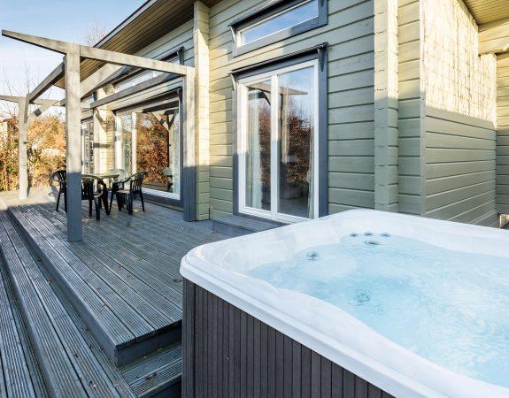 Hot Tub Lodge 18